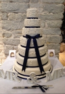 Ivory Piped 7 tier