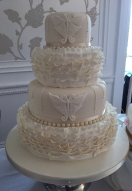 ivory-frill-show-cake